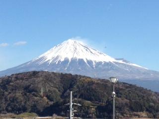 自治会研修旅行中。富士川SA